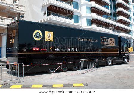 Lotus-Renault GP team truck