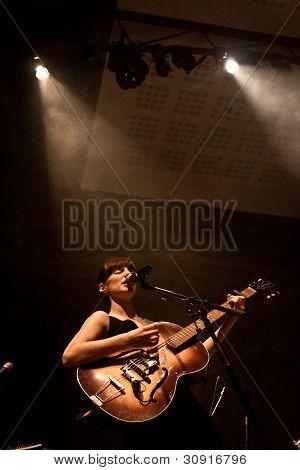 Rita Redshoes Performing Live at Teatro São Luiz