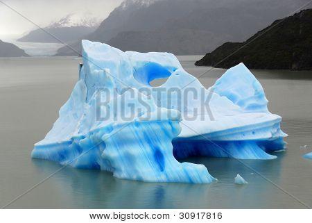 Iceberg, Torres del Paine, Chili