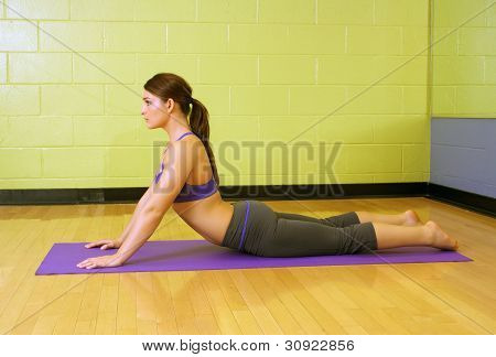 Beautiful Female Athlete At A Gym (4)