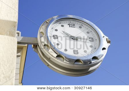 watch hanging