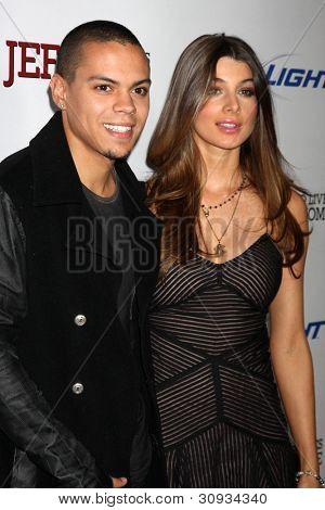 LOS ANGELES - MAR 7:  Evan Ross, Cora Skinner  arrives at the