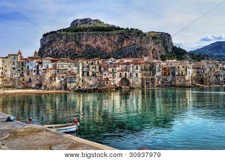 Bahía en Cefalú, Sicilia