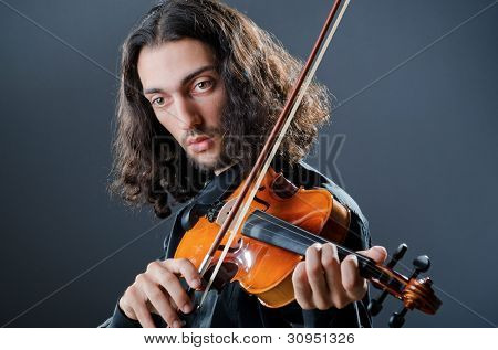 Violin player playing the intstrument