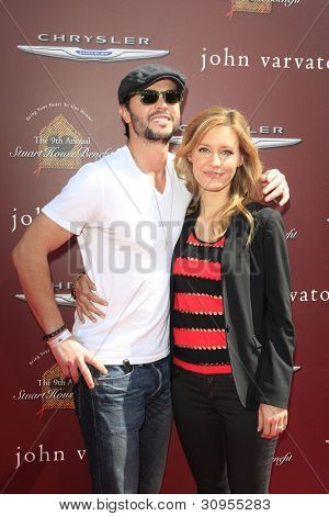 LOS ANGELES - MAR 11:  Jason Behr; KaDee Strickland arrives at the 9th Annual John Varvatos Stuart House Benefit at the John Varvatos Store on March 11, 2012 in West Hollywood, CA