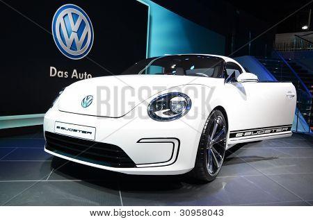 Ginebra - 12 de marzo: Concepto de Volksvagen E-Bugster en 82 internacional Motor Show el 12 de marzo de 2012 i