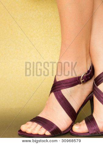 Sexy feet in Satin Sandals