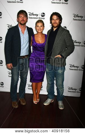 LOS ANGELES - JAN 10:  Zachary Knighton, Elisha Cuthbert, Adam Pally attends the ABC TCA Winter 2013 Party at Langham Huntington Hotel on January 10, 2013 in Pasadena, CA