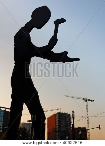 Hammering Man Sculpture In Frankfurt
