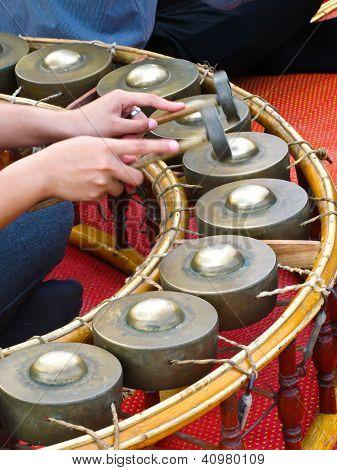 Playing Gong