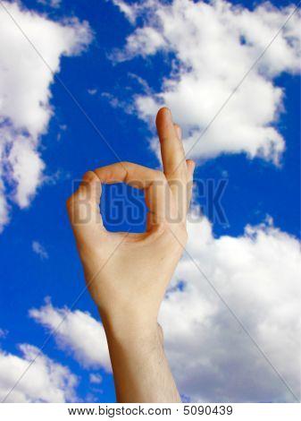 OK Zeichen am Himmel Hintergrund