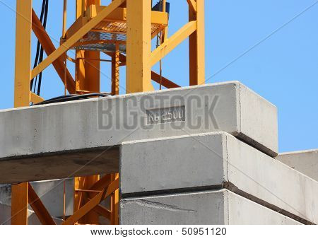 Base Of Heavy Crane With Contra Blocks