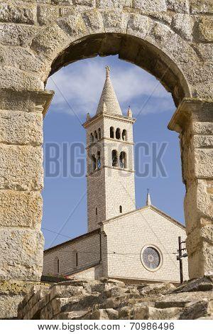 Pula Church