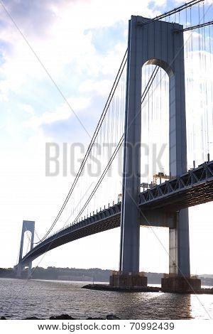 The Verrazano-Narrows Bridge , The largest and longest bridge in New York City