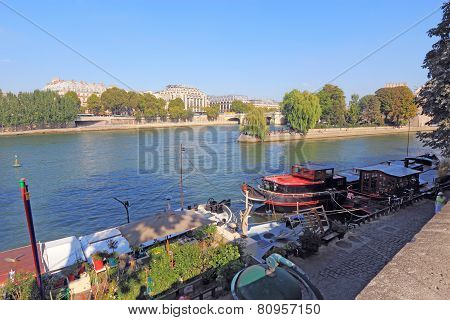 Boats Near Pont Neuf And Ile De La Cite In Paris, France