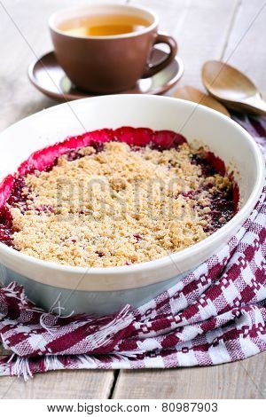 Fruit Crumble Cake