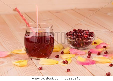 Juice and ripe pomegranate grains.