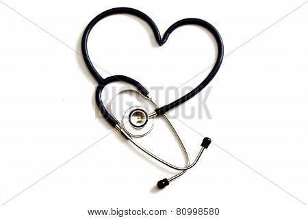 A statoscope shaping heart on a white background