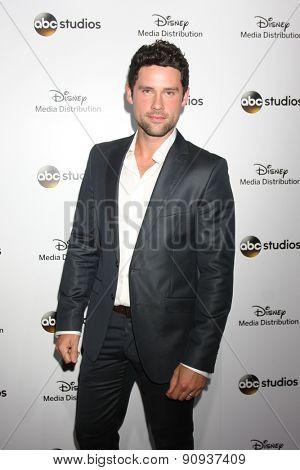LOS ANGELES - MAY 17:  Benjamin Hollingsworth at the ABC International Upfronts 2015 at the Disney Studios on May 17, 2015 in Burbank, CA