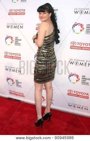 LOS ANGELES - MAY 16:  Pauley Perrette at the