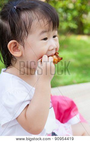 Closeup Little Asian (thai) Girl Enjoy Eating Her Lunch