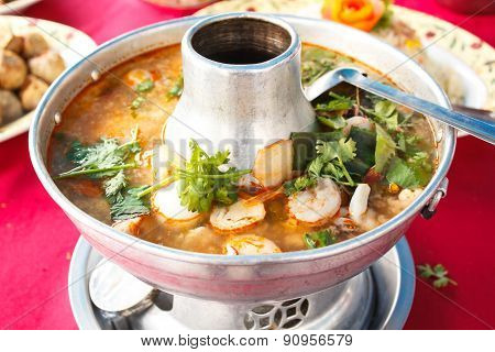 Tom Yum Goong, Spicy Soup With Shrimp In A Hot Pot.