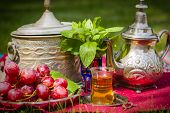 picture of oasis  - Oasis dream with mint tea and red grapes - JPG