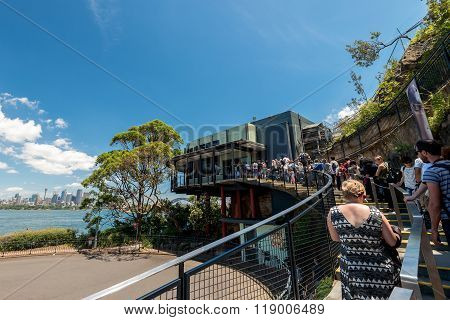 Queue To The Taronga Zoo Entrance