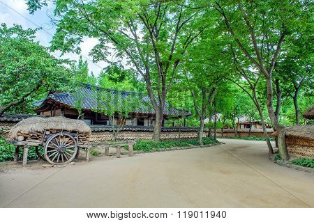 Korean Folk Village,traditional Korean Style Architecture In Suwon,korea