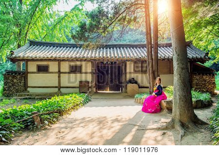 Woman With Hanbok,the Traditional Korean Dress.traditional Korea