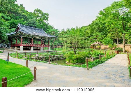 Korean Folk Village,traditional Korean Style Architecture In Suwon,korea?
