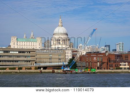 Crane Barge, St Paul's Cathedral, London