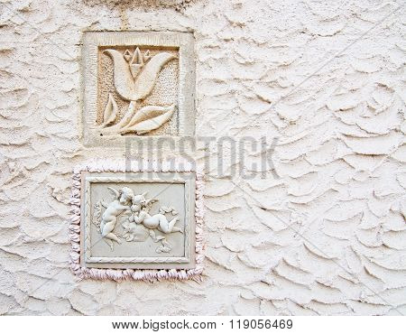 Tulip And Putty Angels Decor