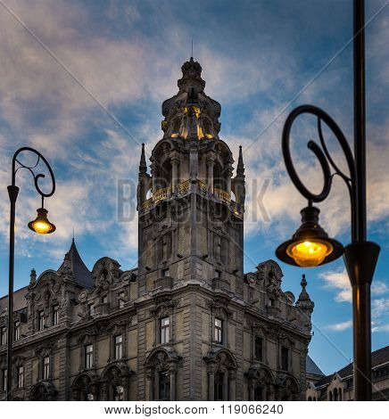 Street Light And Building At Sunset In Budapest.