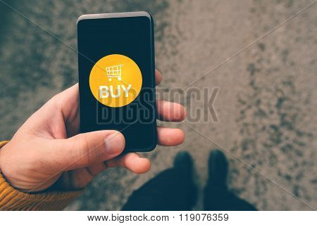 Using Smartphone Mobile App To Shop Online