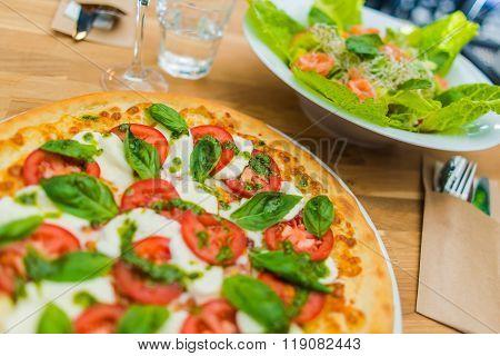 Margarita Pizza Time