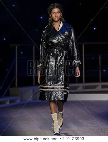 Tommy Hilfiger - Fall Winter 2016 Collection