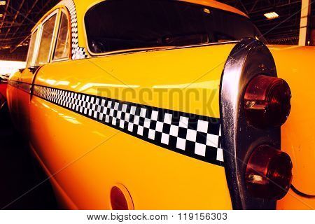 Yellow Cab Taxi, Color detail on the back light of Taxi Checker