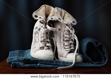 Jeans And Stylish Shoes For Women
