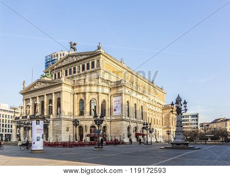 Old Opera House In Frankfurt Am Main In The Early Morning