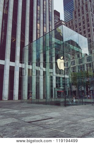 NEW YORK - CIRCA SEPTEMBER 2015: Entrance to Apple Store with Floating Apple Icon in Modern Glass Structure on Fifth Avenue, Manhattan, New York City, New York, USA