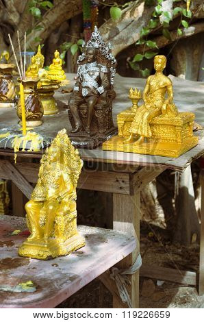 Royal Family Statuettes In Thailand