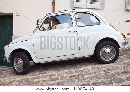 Old White Fiat 500 L City Car Side View