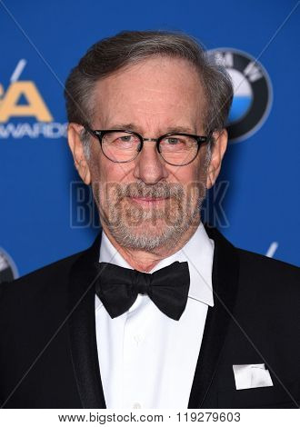 LOS ANGELES - FEB 06:  Steven Spielberg arrives to the Directors Guild Awards 2016  on February 06, 2016 in Century City, CA.