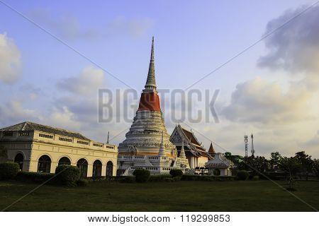 Phra Samut Chedi Temple