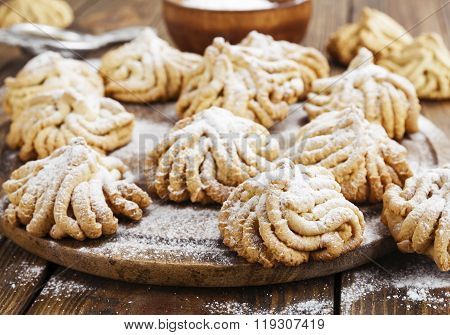 Shortbread With Powdered Sugar