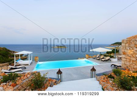 Big Luxury Pool
