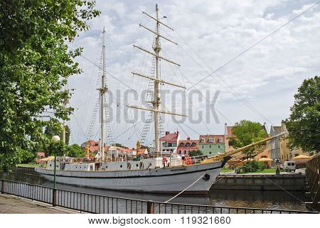 Beautiful yacht-restaurant in the center of Klaipeda
