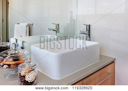 Washstand With Faucet And Mirror