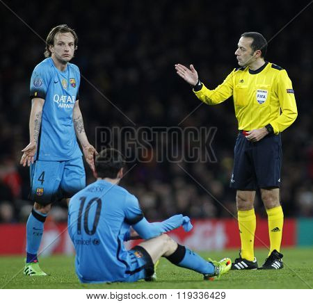LONDON, ENGLAND - FEBRUARY 23:  during the Champions League match between Arsenal and Barcelona at The Emirates Stadium